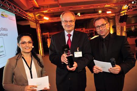 Den Preis nahm im Namen von Continental Dr. Frank Walloch, Leiter der Entwicklung EMEA am 20. November 2014 in München bei der feierlichen Preisverleihung im MVG Museum entgegen