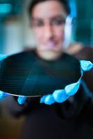 Arbeitsschwerpunkt im Joint Lab ist unter anderem die Entwicklung anwendungsspezifischer Si-photonischer Bauelemente / © TH Wildau / Matthias Friel