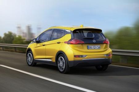 Neuer Opel Ampera-e: Bietet Fahrspaß und beste digitale Vernetzung zu einem erschwinglichen Preis.