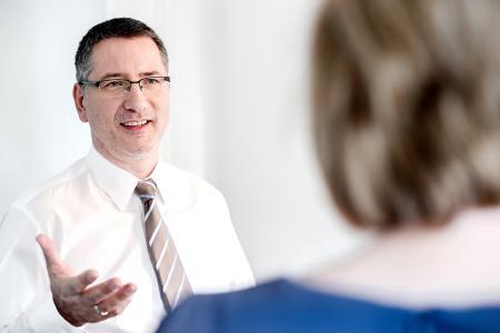 Chefarzt Dr. med. Thomas Bolm von MentaCare, Zentrum für psychische Gesundheit in Stuttgart