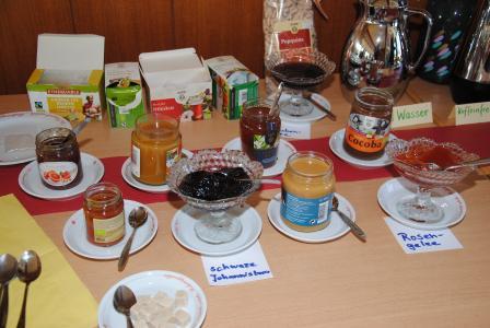 Fair gehandelte bzw. Bio-Produkte aus der Region können beim Fairen Frühstück probiert werden