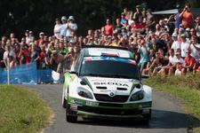 ERC leader Kopecký sets stunning pace to hold home advantage