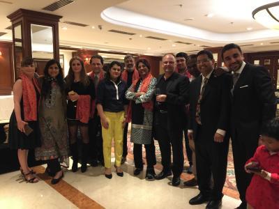 Prof. Tomandl (4. Von rechts) in New Delhi 2016 mit internationalen Neuroradiologen, Neurologen und Neurochirurgen und u.a. aus Indien, Kuwait, und Iran