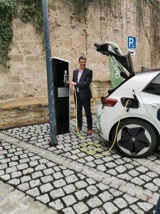 Eröffnung des neuen deer e-Carsharing-Standorts in Hildrizhausen.