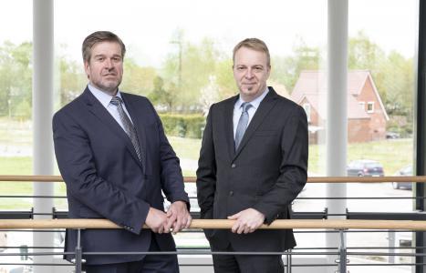 Der Vorstand der Ammerländer Versicherung (v. li.): Axel Eilers (Vorstandsvorsitzender), Gerold Saathoff (Vorstand Vertrieb) / Foto: Ammerländer Versicherung