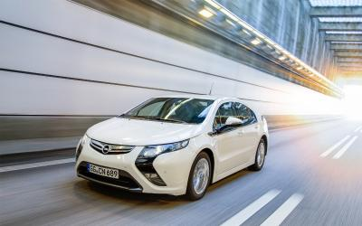 Happy Tenth Birthday, Ampera - Opel's Pioneering Electric Car