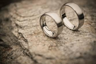 """""""Ehe für alle?"""" / © Foto: punktdesign/churchphoto.de"""