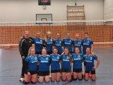 Die jungen Volleyballerinnen in ihren neuen Trikots, die von Bestway® Deutschland gesponsert wurden.