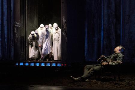 Richard: Marek Egert (Richmond), Ensemble (Geister); Oliver Firit (Richard III)