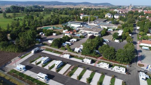 Königshofen Erweiterter moderner Stellplatz an der Franken Therme