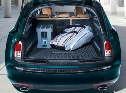 Water-tight: Puddle-proof trunk-liner for the Opel Insignia Sports Tourer