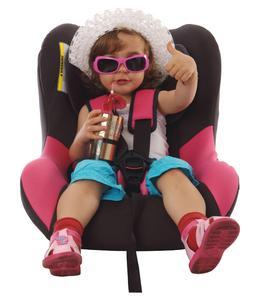 """Die neue Broschüre """"Kindersicherheit im Auto"""" kann kostenfrei bei der Bundesanstalt für Straßenwesen bezogen werden (Bild: Dron/Fotolia.com)"""
