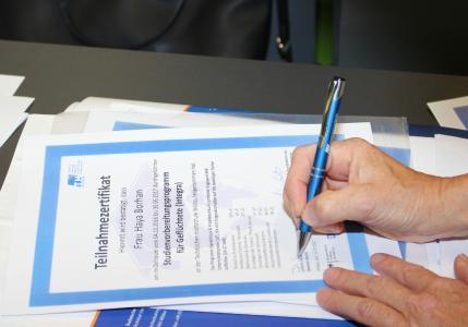 Auf der Abschlussveranstaltung am 13. Juli 2017 erhielten 15 Teilnehmerinnen und Teilnehmer der 1. Jahreskurses zur Studienvorbereitung ihre Zertifikate / Foto: TH Wildau / Bernd Schlütter