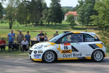 Junior-Europameister: Emil Bergkvist und sein Opel ADAM R2 aus dem ADAC Opel Rallye Junior Team