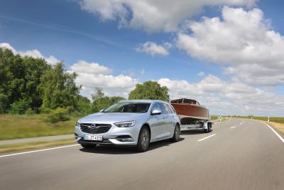 Der packt's: Der neue Opel Insignia (im Bild der Sports Tourer) zieht im Anhängerbetrieb bis zu 2.200 Kilogramm