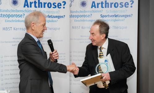 MedTec-Geschäftsführer Axel Muntermann mit Univ.-Doz. Dr. Kullich