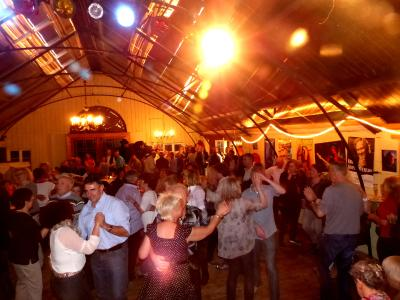 Fast ausgebucht: 30 April 19 Uhr: 23. Oldie-Night in Birkenried mit DJ PeeWee