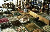 Schmuck und orientalische Gewürze: Die Souks laden zum ausgiebigen Bummeln ein