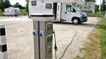 Stromversorgung für jeden Stellplatz durch modernste CamperCleanSäulen