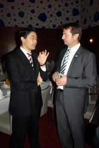 Minister Rösler und Vorstand Bodmer