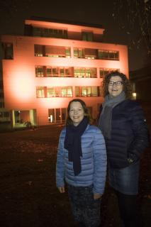Jutta Berding und Lidia Wübbelmann haben die Osnabrücker Aktion gemeinsam mit ihren Kolleginnen vom ZONTA Club Osnabrück Westfälischer Friede organisiert. (Foto: Hochschule Osnabrück / Swaantje Hehmann)