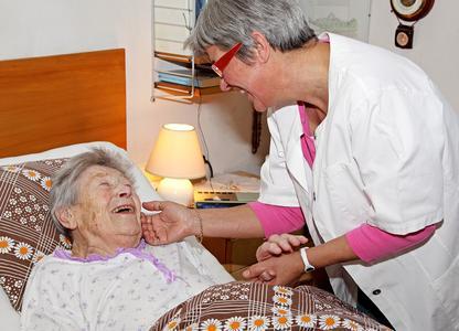 Wer sich ehrenamtlich für Andere einsetzt, sollte auch an den richtigen Versicherungsschutz denken (Foto: Württembergische Versicherung AG)
