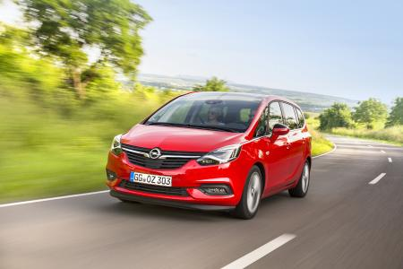 Passagierschiff: Der neue Opel Zafira 2.0 CDTI mit Platz für Sieben und dem Vierzylinder-Diesel aus Kaiserslautern (125 kW/170 PS, Verbrauch im kombinierten NEFZ-Zyklus 5,2-4,9 Liter Diesel/137-129 g/km CO2, Effizienzklasse A) / Foto: Adam Opel AG