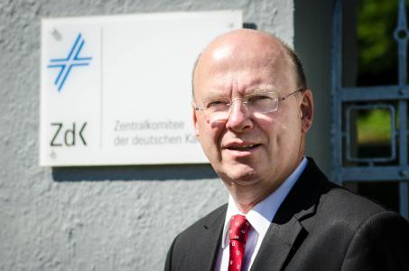 Generalsekretär Dr. Stefan Vesper copy ride
