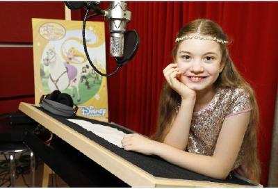 """Marie-Sophie singt den Titelsong zu """"Rapunzel - die Serie"""""""