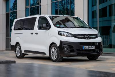 New Opel Vivaro Combi: Travel in Style