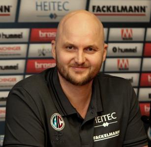 HC Erlangen: der neue Cheftrainer Aðalsteinn Eyjólfsson / Foto: HJKrieg, hl-studios, Erlangen