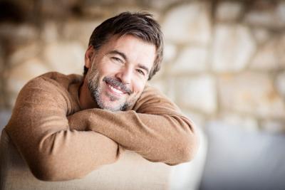 Statt Herbsturlaub lieber in eine sichere Zahnkorrektur beim Zahnarzt vor Ort machen lassen