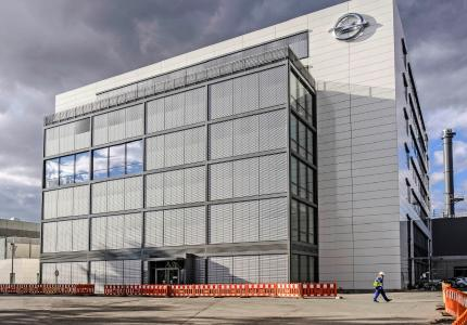 Opel has invested €210 million in the complex of the new Global Propulsion Systems Center in Rüsselsheim. More than 800 people work here