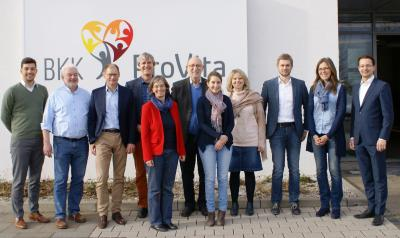 Die Vertreter zahlreicher Gemeinden kamen zur BKK ProVita, um die Gemeinwohl-Ökonomie in der Region um München zu etablieren