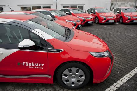 Auch die Bahn setzt auf Ampera: Opel übergab jetzt zehn Exemplare des vielfach preisgekrönten Ampera an Regionalleiter der DB Fuhrpark