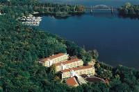 Das Seminaris SeeHotel Potsdam bietet am 14. Februar ein Valentins-Menü für Verliebte am Templiner See.