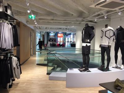 ASICS startet mit Brand Store in Österreich und setzt die Einführung des neuen Globalen Retail-Konzepts fort