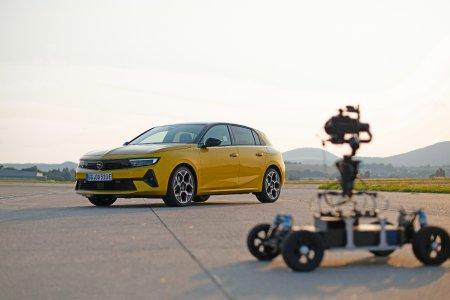 Mutig, klar, topmodern: Die neue Opel Astra-Social Media-Kampagne