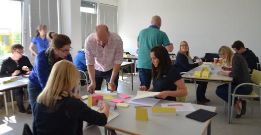 Fernstudierende an der HS Ludwigshafen im Planspiel Logistik