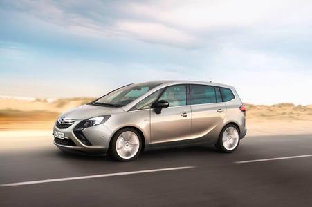 Die weit über den Erwartungen liegende Resonanz auf den neuen Opel Zafira Tourer hat den Vorstand der Adam Opel AG veranlasst, die Verkaufsprognosen für das Fahrzeug anzuheben.