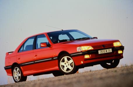 Der PEUGEOT 405 T16 war in den 90er-Jahren das Hochleistungsmodell der Löwenmarke.