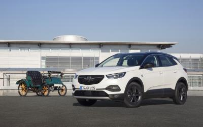 "Opel Grandland X ""120 Years"": Seating Comfort has Long Tradition"