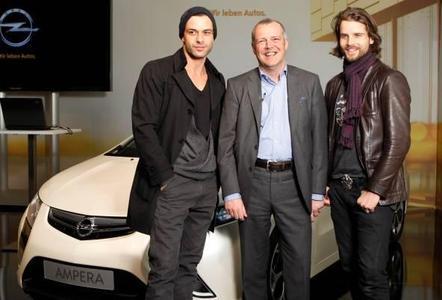Strategien und Technologien von Opel auf dem Weg zu einer emissionsfreien Mobilität standen beim ersten eMobility Live-Talk des Rüsselsheimer Herstellers in Berlin zur Diskussion. Wissenschaftler und Entwicklungsingenieure  diskutierten über die technische Entwicklung und Konzepte zur nachhaltigen Energiegewinnung