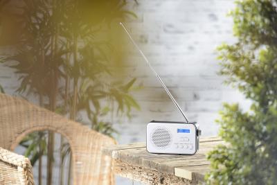 VR-Radio Mobiles Akku-Digitalradio DOR-215 mit DAB+ & FM, Wecker, Bluetooth 5, 8 Watt