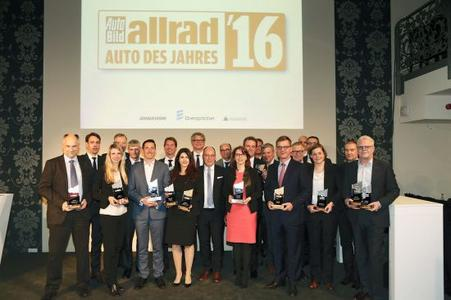 """""""All-wheel drive car of the year 2016"""": The lucky winners at the award ceremony held yesterday evening"""