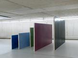 Julia Hohenwarter, The wall that wasn't there, 2011, Holz, Eitempera, Dispersion, Stahl, ca. 327 x 254 x 176 cm, Foto: Ivo Faber