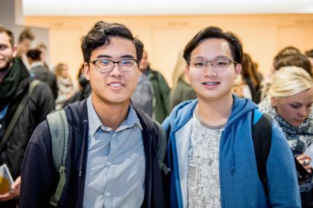 Fühlen sich wohl in Osnabrück: Ying Day (links) und Kai Han sind aus Malaysia nach Osnabrück ge-zogen, um an der Hochschule Osnabrück Maschinenbau zu studieren