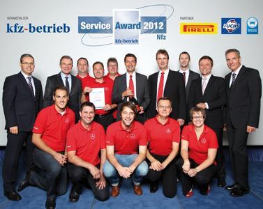 Die Gewinner des Service Awards 2012 in der Kategorie Nutzfahrzeuge: Autohaus Schmolck in Emmendingen