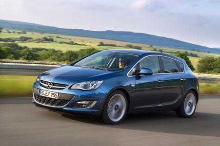 """Attraktives Angebot: Das """"Ohne Anzahlung. Ohne Zinsen.""""-Angebot von Opel gilt für alle Astra-Modelle, egal ob Leasing oder Finanzierung"""