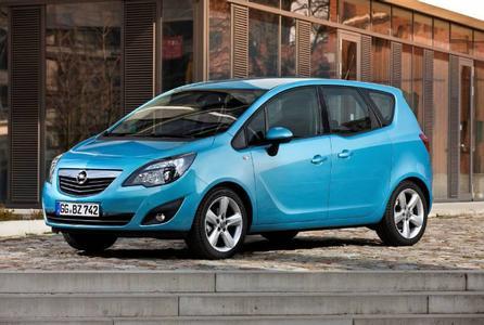 Fahrzeuge der Marke Opel sind besonders wertbeständig: Der Meriva Selection 1.3 CDTI ecoFLEX wird als vier Jahre alter Gebrauchtwagen noch auf 53,5 Prozent seines Neupreises geschätzt und ist damit in der Klasse der Minivans das Modell mit dem prozentual geringsten Wertverlust